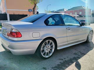 BMW 330 Coupé kit M y full extras!