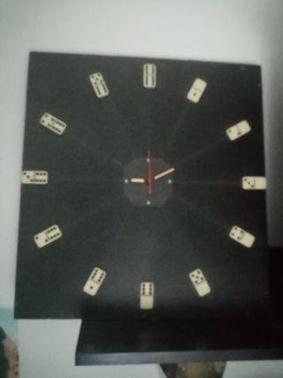 Reloj de dominó