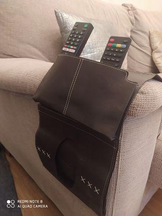 Porta mandos piel televisión