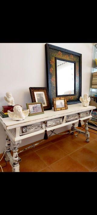 Mesa aparador vintage antigua restaurada