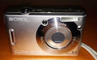 Cámara fotos SONY digital + cargador