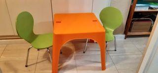Mesa y sillas niños