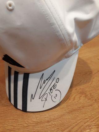 gorra firmada