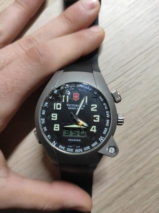 Reloj Victorinox Swiss Army titanium