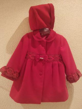 Abrigo con capota. Rojo. Impecable. Miranda lazo