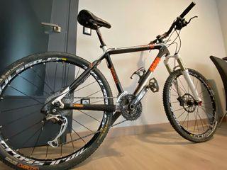 "Bicicleta KTM Toryn Comp carbono 26"" Talla M"