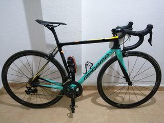 Bicicleta Megamo de carbono