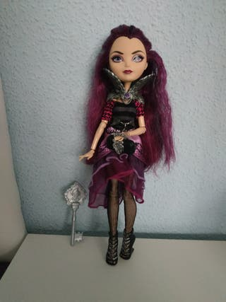 RAVEN QUEEN MUÑECA EVER AFTER HIGH MATTEL