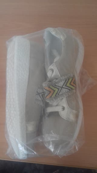 Zapatos nuevos para mujer