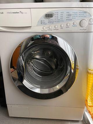 Lavadora LG 7kg. Regalo secadora FAGOR
