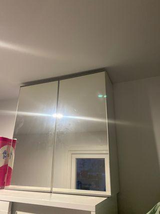 Armario con espejo de ikea