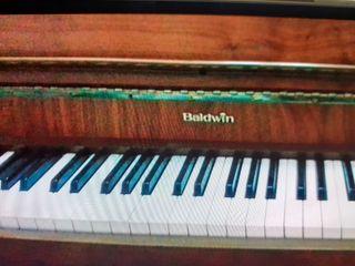 Piano de pared Baldwin