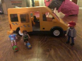 Escuela y autobús escolar Playmobil