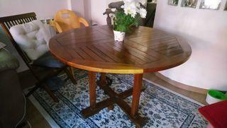 Mesa de jardín de madera de teka