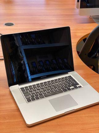 """Macbook Pro 15"""" en muy buen estado"""