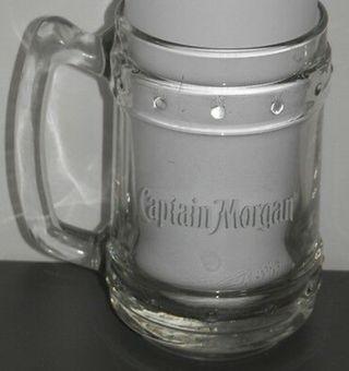 Jarras de cerveza Captain Morgan