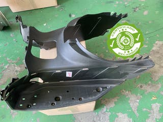 Reposapies panel suelo Yamaha Xmax 125 250 cc