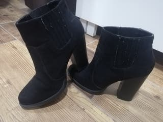 botin negro Zara 37