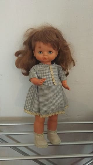 muñeca Famosa antigua