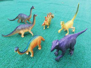 Dinosaurios de juguete.