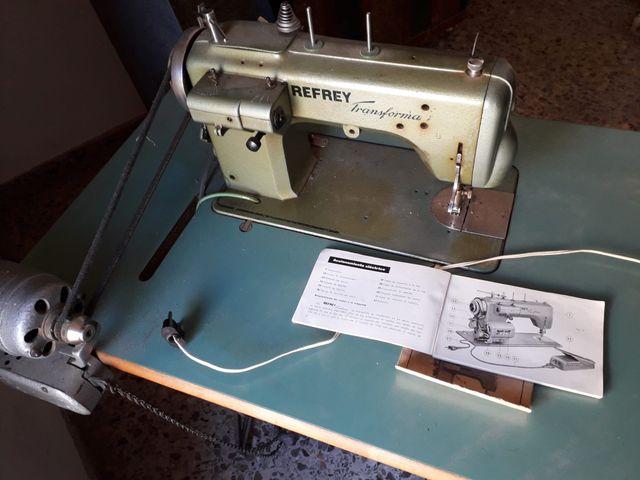 Máquina de coser semi industrial Refrey Transforma