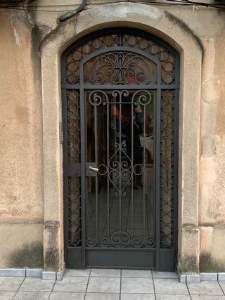 Restauración de puertas históricas