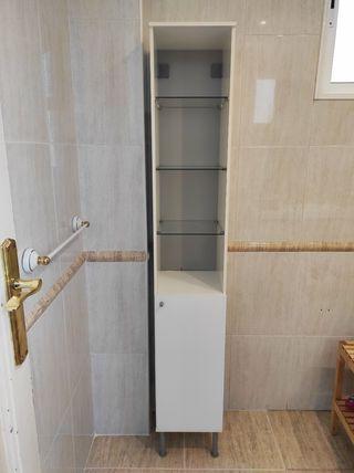 Armario columna blanco para el baño