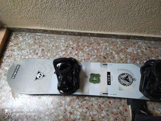 Se vende kit Snowboard. Tabla, fijaciones, botas.