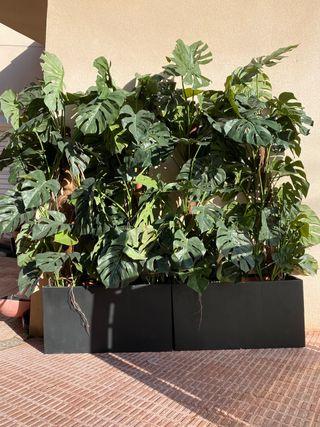 Planta artificial y maceta para decoracion