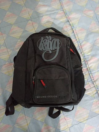 Mochila Wrung Design, color negro