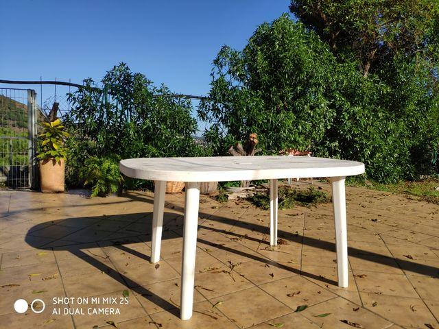 Mesa terraza/jardín.