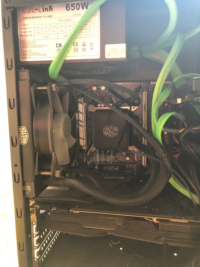 Intel I7-7700 GTX 1070 16GB DDR4 240 GB SSD 1TB HD