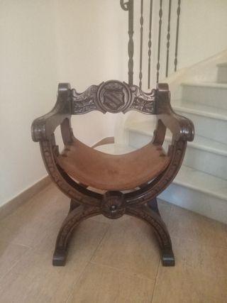 sillones antiguos y recién restaurados