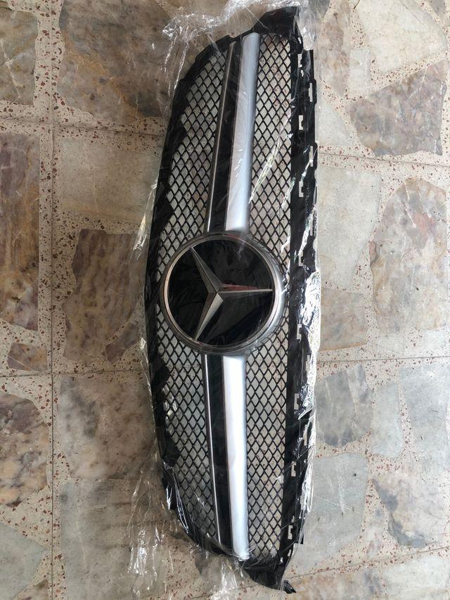 Parrilla Mercedes W205