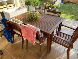 Mesa y 5 sillas de Jardin de teka