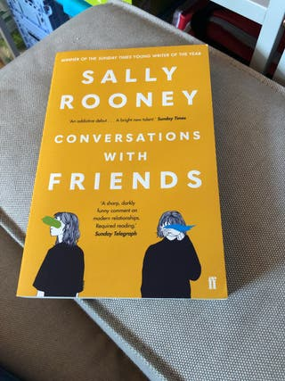 Libro Conversations with friends