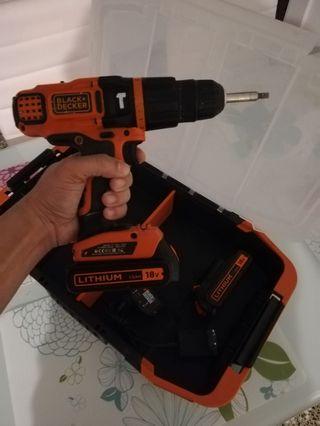 taladro percutor de batería y Sierra caladora