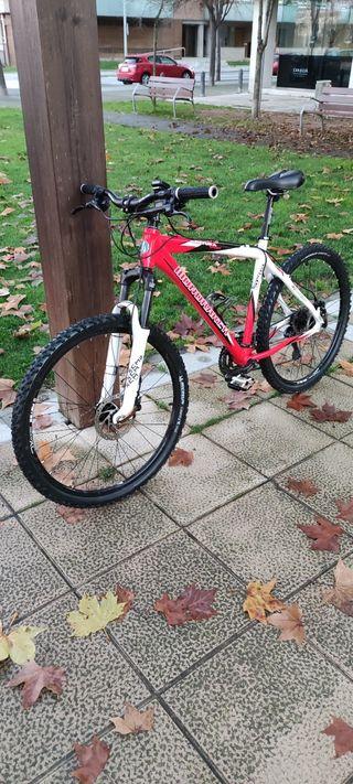 Bicicleta btt mondraker