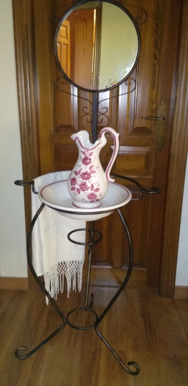 Palanganero cerámica y forja