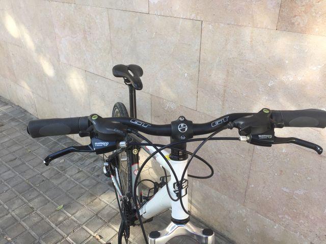 Bicicleta Mountain bike GT