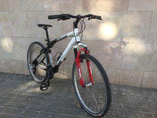 Bicicleta Mountain bike mujer GT