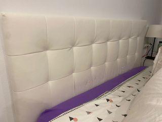Cabecero IKEA piel blancA modelo BORGANN