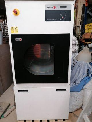 Lavadora y secadora industriales FAGOR