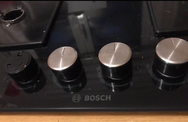 Placa de gas con 4 fuegos Bosch.