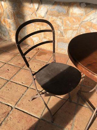 Mesa y sillas de forja para jardin