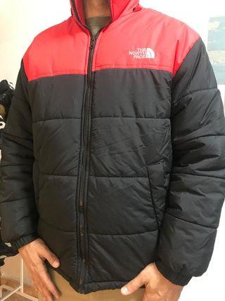 plumas rojo y negro north Face