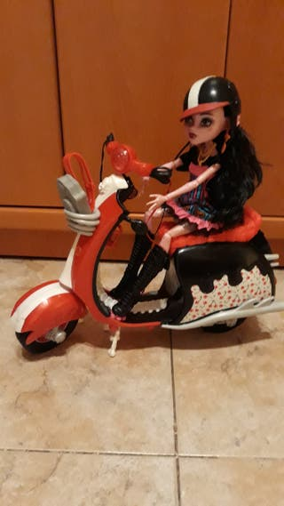 MONSTER HIGH Y MOTO