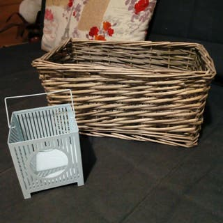 cesta y portavelas
