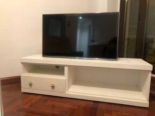 Aparador Televisión (TV) reformado.