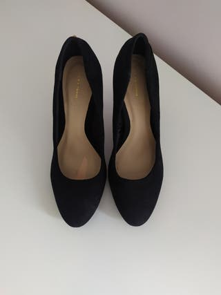 Zapatos negros tacón